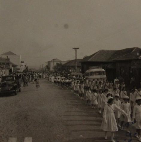 Pais começaram a registrar os filhos em Paranavaí só em 1953 (Foto: Toshikazu Takahashi)