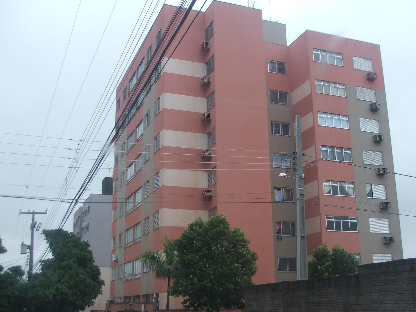 Catuay (em destaque) e Guarapari, prédios atingidos pelo tremor de terra (Crédito: David Arioch)