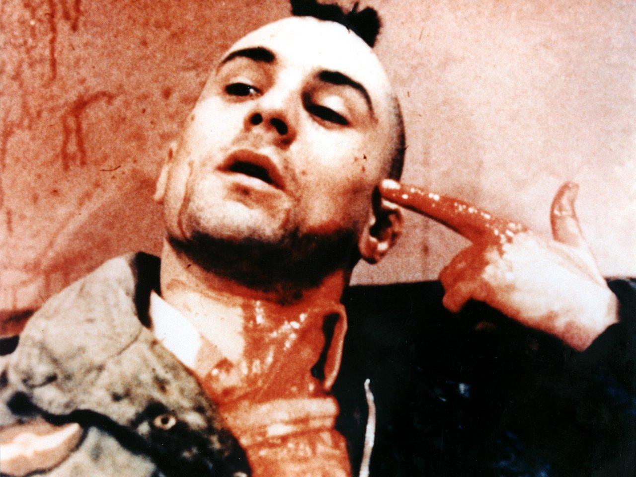 Travis Bickle sofre uma metamorfose no decorrer do filme (Foto: Reprodução)