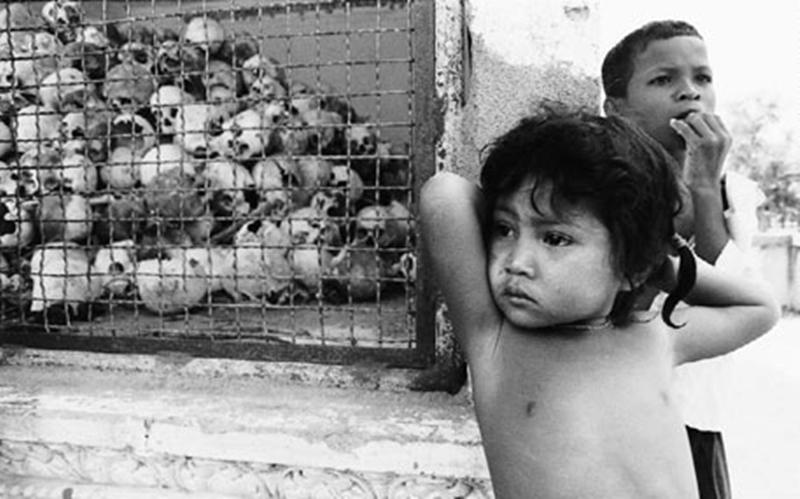 Crianças tiveram de aprender a conviver com a morte (Foto: J. Isaac)