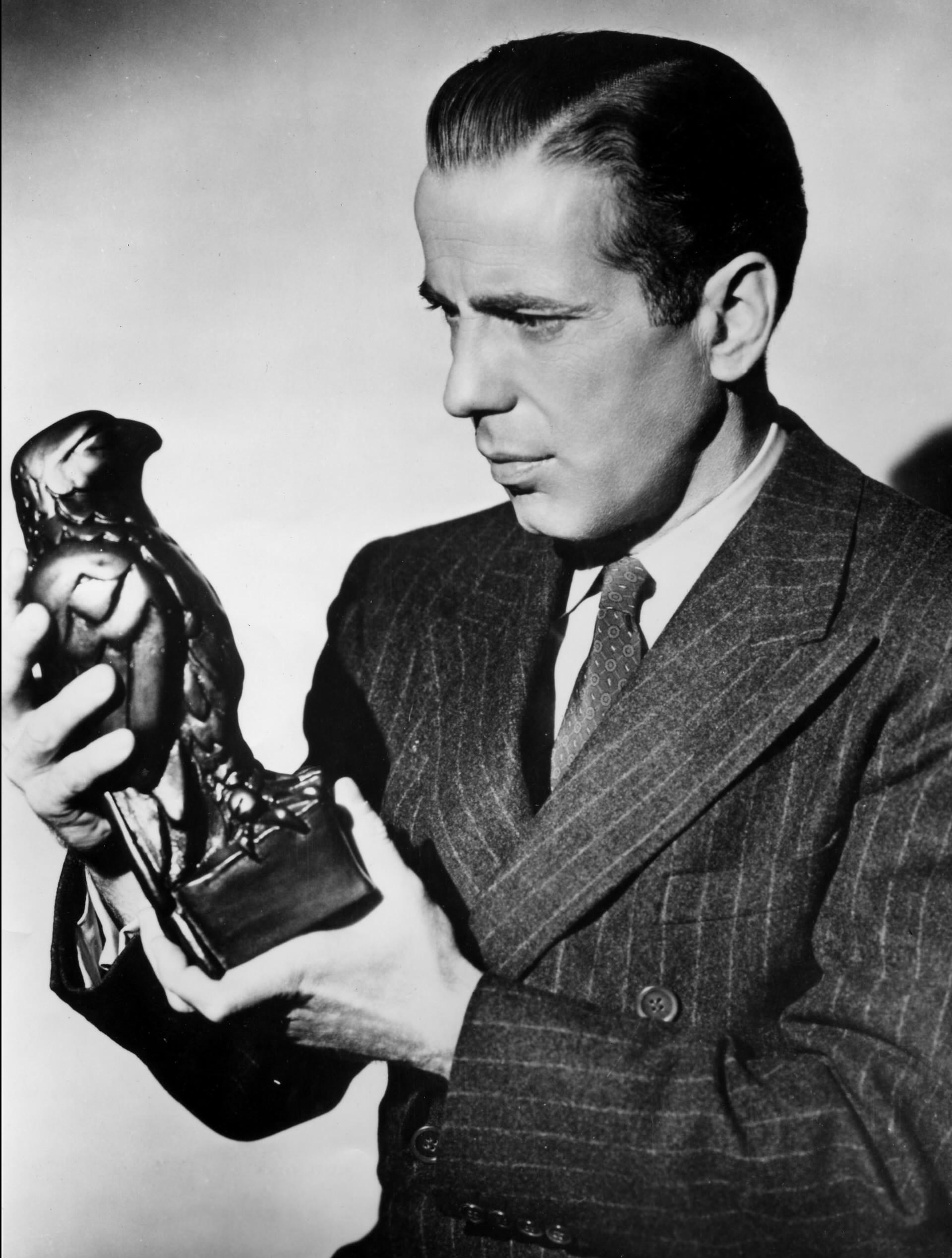 Humphrey Bogart interpreta um detetive cínico e ganancioso (Foto: Reprodução)