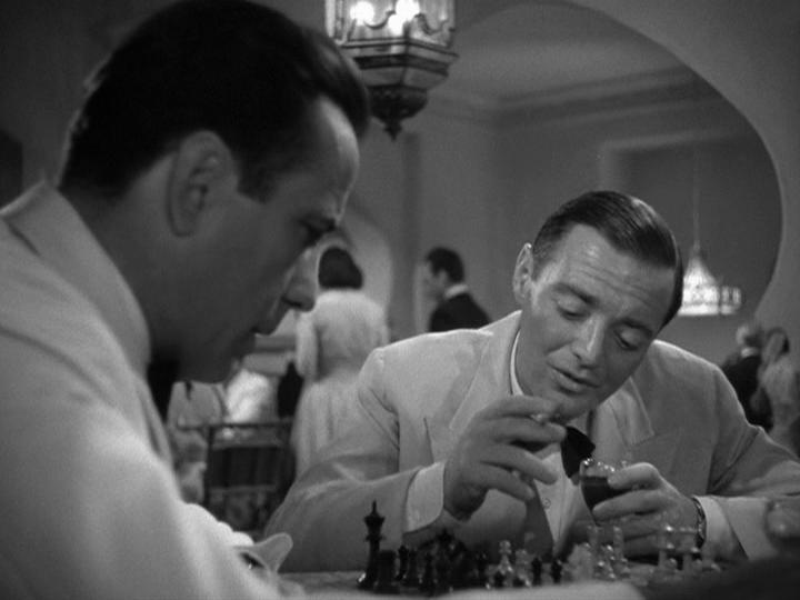 Embora secundário, Peter Lorre se destaca pela interpretação sempre enigmática (Foto: Reprodução)