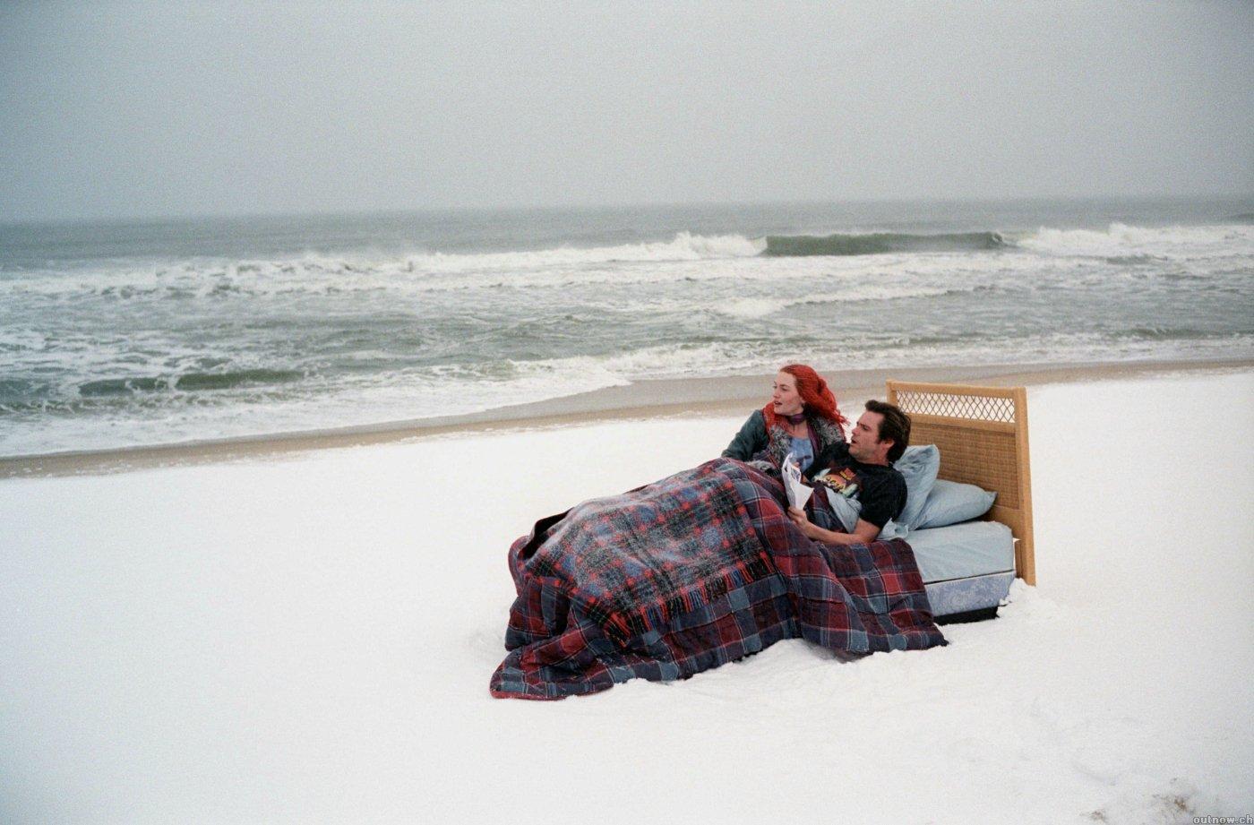 Joel e Clementine chegam a representar a desmaterialização do amor (Foto: Reprodução)