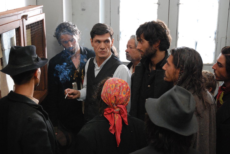 Rosier explica que uma lei francesa proíbe o nomadismo durante a guerra (Foto: Reprodução)