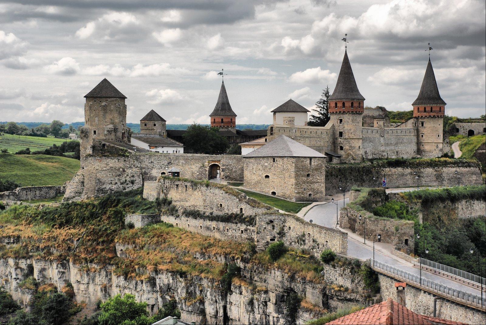 Castelo Kamianets-Podilskyi, símbolo do multiculturalismo do Leste Europeu (Foto: Ukraine Incognita)