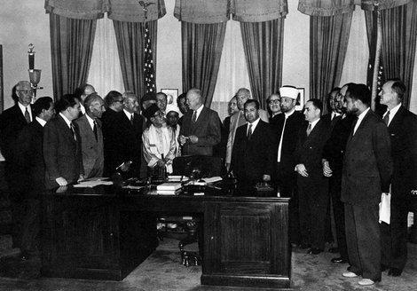 Nos anos 1950, o investidor construiu um escritório inspirado em Eisenhower e no Salão Oval (Foto: Reprodução)