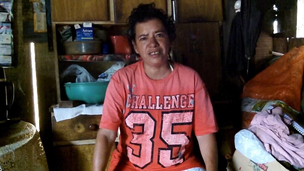 """Rose Santos: """"É difícil porque a casa molha, né? E molha tudo"""" (Foto: David Arioch)"""